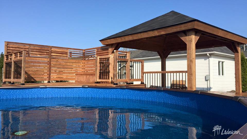 Patio et terrasse innovations paysag es ladouceur for Exemple piscine exterieure